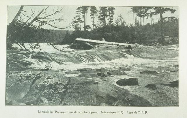 Le rapide du Pin Rouge haut de la rivière Kipawa, Témiscamingue, P.Q., ligne du C.P.R. L'album universel, Vol. 23, no. 1160, pp. 353 (21 juillet 1906)